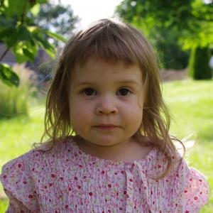 Ester žebrá třešně.