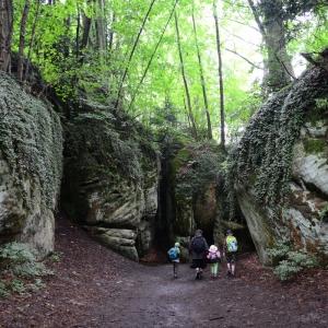 Jdeme do skalního městečka Hrubá skála.