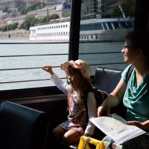 Cestování v MHD lodí, luxus.