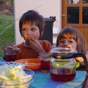 Večeříme venku!