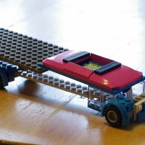 Esterčin model lego auta.